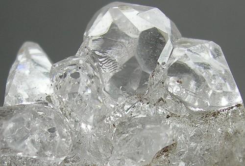 塩化アンモン石